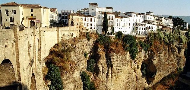 Ronda: The city that's divided in two by a canyon