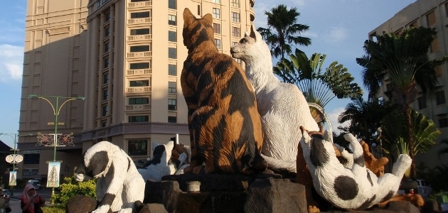 The world's oddest statues and sculptures