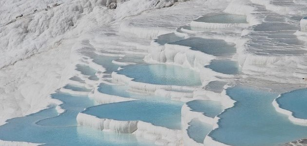 Pamukkale: Toothpaste foaming from the mouth of Mother Earth