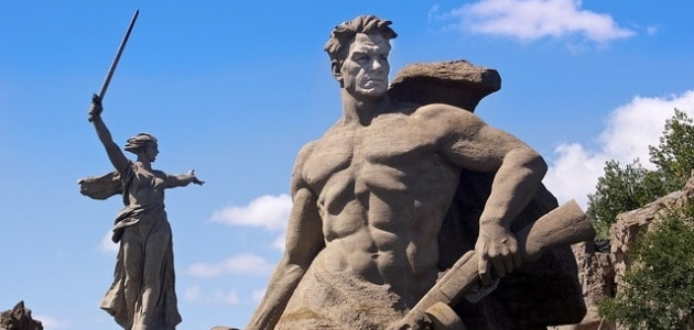 The Motherland Calls: Go and see it before it falls over