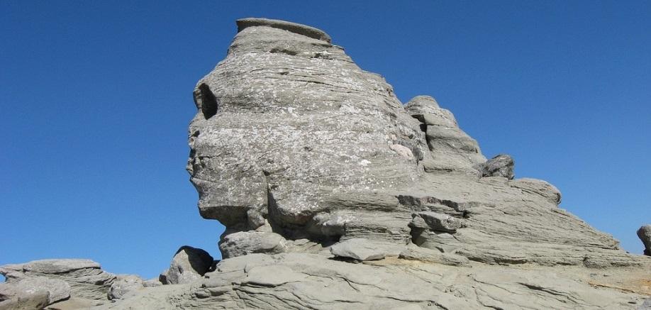 5 more rocks that look a bit like people