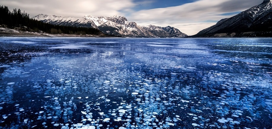 Abraham Lake: The lake that gets so cold, the bubbles freeze
