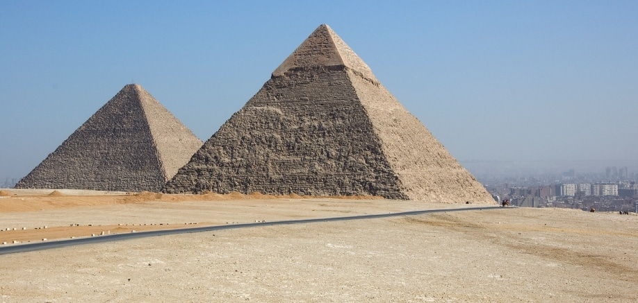The Egyptian pyramids: When, how and why